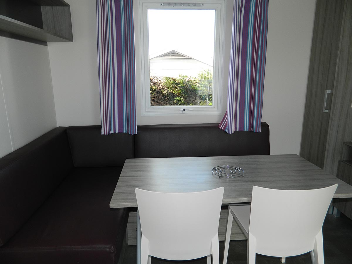 IRM super mercure 2 chambres Terrasse gamme standard camping omaha beach